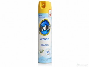 Pronto Spray do czyszczenia mebli Pront/Pledge Wood Springtime 250 ml